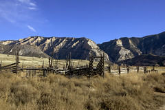 Vestige of the historic ranch (Jeff Mitton) Tags: corral splitmountain rupleranch dinosaurnationalmonument utah coloradoplateau historic ranch landscape wondersofnature earthnaturelife mountain cliff sandstone greenriver