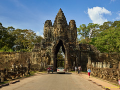 Angkor Thom – 3 [Explored] (Roy Prasad) Tags: green cambodia asia khmer travel architecture temple angkorwat prasad royprasad hindu buddhist ruins ancient phaseone xf schenider angkorthom