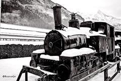 Chamonix - Montblanc (rossendgricasas) Tags: chamonix montblanc france tren snow ancient bn bw monochrome noperson nikon light