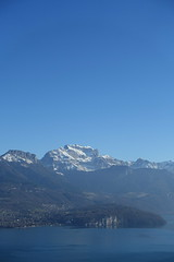 Lake Annecy @ Viewpoint @ Croix du Crêt @ Hike to Sentier des 3 Croix @ Semnoz (*_*) Tags: afternoon january winter hiver 2019 bauges semnoz nature europe france hautesavoie 74 annecy savoie cold hiking marche mountain randonnée trail sévrier forest viewpoint pointdevue lake lac lacdannecy lakeannecy