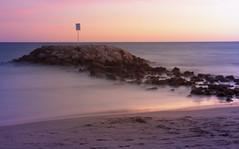 Diagonal (A.Cuerva) Tags: mar atardecer cataluña cunit rocas largaexposición playa pintura baixpenedés tarragona spain arena