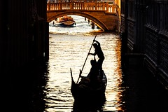 Until We See The Light Of Day (Anna Kwa) Tags: sunrise morning day canal bridge silhouettes gondola boat rowing venice italy annakwa nikon d750 7002000mmf28 my light always seeing heart soul throughmylens life journey fate destiny papersail stularsen gondolier