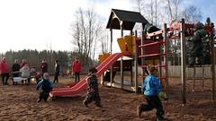 Kylän leikkipaikka