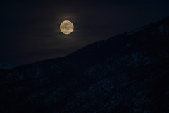 January's Full Moon Rise (M///S///H) Tags: lenstagger clouds fullmoon fullmoonrise moon moonrise mountainrange mountains newmexico sangredecristo snow taos winter