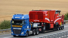 D - Lampe >Grimme Maxtron< DAF XF 106 SSC (BonsaiTruck) Tags: lampe grimme daf lkw lastwagen lastzug truck trucks lorry lorries camion caminhoes