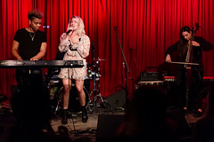 Madison Malone 11/14/2018 #38 (jus10h) Tags: madisonmalone hotelcafe hollywood losangeles california live music concert gig show event performance venue photography female singer songwriter beautiful young 2018 november 14 wednesday nikon d610 justinhiguchi