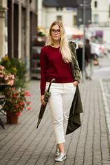 beeanddonkey_sweter_V_bordo (beeanddonkey) Tags: beeanddonkey bee donkey sweter sweater knitted knitwear madeinpoland tarnowskie góry silesia moda fashion dzianina