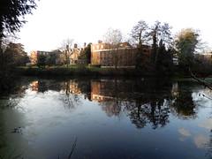 Boishop's Palace and lake, Bromley (John Steedman) Tags: london uk unitedkingdom england イングランド 英格兰 greatbritain grandebretagne grossbritannien 大不列顛島 グレートブリテン島 英國 イギリス ロンドン 伦敦 bromley