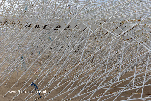 Raamwerk van de parasollen in Portimao