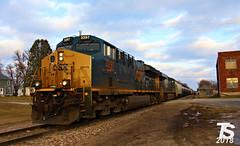 2/2 CSX 3297 Leads WB L571 Manifest Ackley, IA 12-23-18 (KansasScanner) Tags: iowafalls ackley iowa bradford train railroad csx cn up iarr