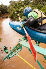 Kayak ready to jump into the river (Ivan Costa) Tags: riodopeixe socorro kayak kayaks river sp brasil brazil jump pulo cachoeira waterfall water agua bridge ponte 4757