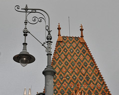 street lamp and Roof (hansntareen) Tags: lamp streetlamp roof pattern budapest hungary ungarn