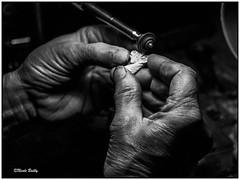 précision (pileath) Tags: hand france main noir et blanc bw artisanat jura corne art jeurre horn craftsman tradition