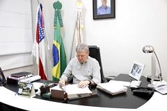 13.11.2018 Prefeito Arthur Virgílio Neto, anuncia calendário de pagamento para servidores, nos meses de novembro e dezembro.