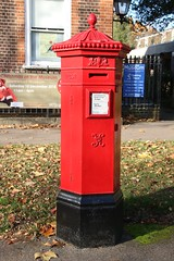 EN11 Victorian Penfold Postbox at Lowewood Museum, Hoddesdon, Herts (kitmasterbloke) Tags: penfold pillar post box red letter hoddesdon lowewoodmuseum victorian cochranegrove hertfordshire outdoor