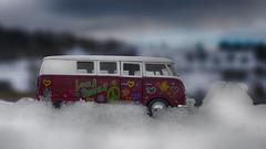 Arrêt obligatoire ! (Fred&rique) Tags: lumixfz1000 photoshop raw hdr bus vw peace neige hiver love