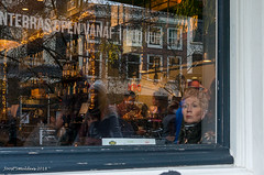 Reflections (Streetphotography by Joost Smulders) Tags: streetphotography straatfotografie candid urban stad city utrecht holland nederland window raam spiegeling reflections mensen people color colour portret portrait