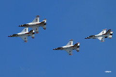 180822_34_ACAS_Thunderbirds (AgentADQ) Tags: the united states air force aerial demonstration team thunderbirds perfom atlantic city show new jersey 2018 jet fighter plane airplane aerobatic flying f16 fighting falcon