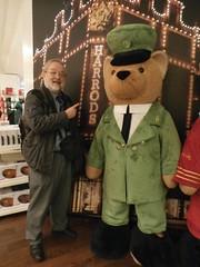 London 013 (c) Helen Nixon (Steve Guess) Tags: cream tea knightsbridge bromptonroad england gb uk teddy bear