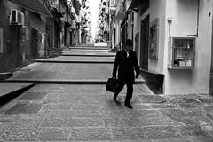 (You Can Wait And Feel No Fret) (Robbie McIntosh) Tags: leicam9p leica m9p rangefinder streetphotography 35mm leicam blackandwhite bw biancoenero bn monochrome autaut leicaelmarit28mmf28iii elmarit napoli suit suitcase baggage