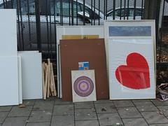 Streetart with ♥ (mkorsakov) Tags: münster city innenstadt sperrmüll trash bilderrahmen frames kunst art streetart herz heart