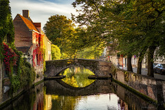 Reflex in Bruges (A.Coleto) Tags: brujas brugge belgica canales reflejo amanecer agua