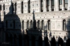 La basilica che non c'è (michele.menditto) Tags: venezia palazzoducale italia sanmarco sonyrx100m3 ombre