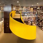 bookstore (in a mall)の写真