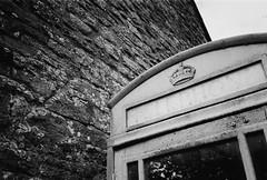 (a.pierre4840) Tags: olympus xa 35mm f28 35mmfilm ilford ilfordhp5 hp5 hp5plus bw blackandwhite monochrome noiretblanc wall texture fotor artfilter perspective