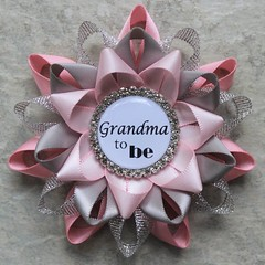 Pink and Gray Baby Shower, Baby Girl Shower Decorations, Baby Shower Pins, Baby Shower Corsage, Grandma to Be, Pink, Silver, Gray, Pale Pink https://t.co/abBlDsY4g0 #handmade #etsy #gifts #BabyShowerPins https://t.co/lCqJ6lXpb0 (petalperceptions.etsy.com) Tags: etsy gift shop fashion jewelry cute