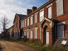 Sergeant's Mess, British Army 'Le Cateau' Barracks, Royal Field Artillery, 1875 - Colchester, England. (edk7) Tags: olympuspenliteepl5 edk7 2017 uk england essex colchester brick stone architecture building oldstructure city cityscape urban military abandoned boardedup derelict sergeantsmessartillerybarracks1875 britisharmy royalfieldartillery sergeantsmessbritisharmylecateaubarracksroyalfieldartillery1875