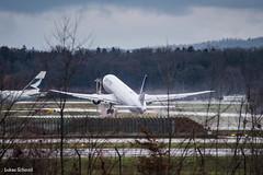 United Airlines / Boeing 767-400ER / N69063 (schmidli123) Tags: n69063 zrh zurichairport zrhairport heliport united unitedairlines boeing boeinglovers 767 takeoff