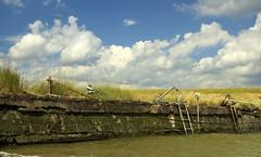 Waarde (Omroep Zeeland) Tags: getijdenhaventje meerpaal vissersbootje haventje bietenhaventje kademuur