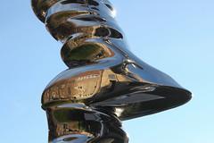 (dorothea knie) Tags: düsseldorf tonycragg ehrenhof kunst skulptur art sculpture spiegelung reflection