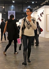 Paseo por la galeria (carlos_ar2000) Tags: paseo walk galeria gallery chica girl mujer woman bella beauty sexy calle street linda pretty gorgeous buenosaires argentina
