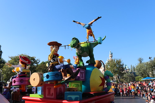 "Toy Story - Pixar Play Parade • <a style=""font-size:0.8em;"" href=""http://www.flickr.com/photos/28558260@N04/45992298452/"" target=""_blank"">View on Flickr</a>"