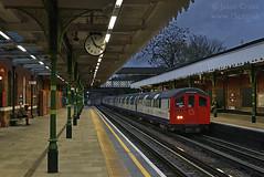 d35892 (15c.co.uk) Tags: londonunderground tfl buckhursthill centralline railadhesiontrain rat 1962stock
