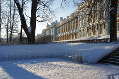 Sunny frosty day in the Catherine Park. (fedoseenko) Tags: санктпетербург россия красота colour природа beauty blissful loveliness beautiful saintpetersburg sunny art shine dazzling light russia day park peace blue white голубой небо лазурный color sky pretty sun пейзаж landscape clouds view heaven mood serene golden gold colours picture road tree nature alley history trees tsar walkway field outdoors old d800 wood cupola path building architecture catherine domes town winter snow cloud снег тропинка деревья облака архитектура дворец здание freeze frost frosty 24120mmf3556d catherinepalace catherinepark