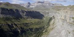Valle de Ordesa (jesussanchez95) Tags: valledeordesa huesca pirineos paisaje landscape panorámica panoramic mountain montaña