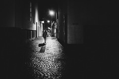 At night (Zesk MF) Tags: nachts night street lady woman zesk cologne x100f fuji bw black white mono candid strase alley dark