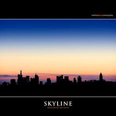 SKYLINE (Matthias Besant) Tags: frankfurt frankfurtammain hochhäuser skyscraper bankenviertel matthiasbesant matthiasbesantphotography himmel sky sonnenuntergang blauestunde abend abendhimmel farbverlauf