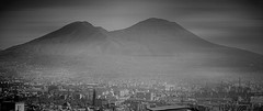 Napoli....Vesuvio (Antonio Piccialli) Tags: 2019 febbraio naples napoli bn blackwhite bwartaward bianconero blackandwhite bw explore explored fluidr fluidrexplored flickr flickrclickx vicolidinapoli vesuvio campania canon canonixus155 panorama