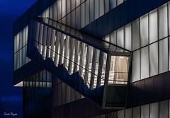 Escalier en cage (josboyer) Tags: pavillon lassonde musée des beauxarts de québec escalier cage lumière