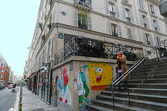 Quartier Saint-Ambroise - Paris (France) (Meteorry) Tags: europe france idf îledefrance paris spaceinvader spaceinvaders invader invaderwashere mur wall street rue art artderue pixels pa1374 75011 quartiersaintambroise rueamelot rueclotildedevaux mural paintings pasteup insect wings ailes femme woman madame fumeur stairs escaliers streetscene december 2018 meteorry