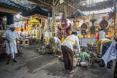 preparing (kuuan) Tags: manualfocus mf voigtländer15mm cvf4515mm 15mm bali indonesia sonynex5n festival temple preparations offerings ladies kebaya priest pemangku