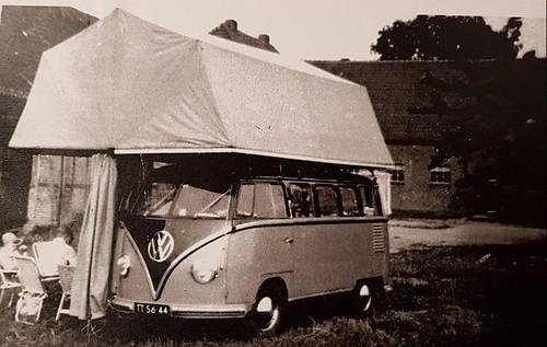 "TT-56-44 Volkswagen Transporter Samba 23raams 1956 • <a style=""font-size:0.8em;"" href=""http://www.flickr.com/photos/33170035@N02/31836489437/"" target=""_blank"">View on Flickr</a>"