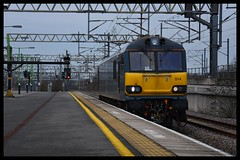 92014 (Lewis_Hurley) Tags: railway train 0z90 westcoastmainline wcml station warwickshire england uk lightengine nuneaton loco locomotive electric caledoniansleeper cs dyson 92014 class92 92