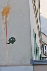 Invader_8352 Paris 20 (meuh1246) Tags: streetart paris invader ruedesavies paris20 belleville spaceinvaders mosaïque