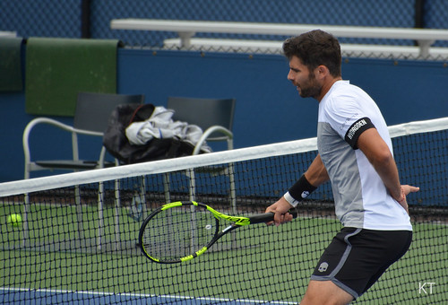 Simone Bolelli - Simone Bolelli proving he can hit volleys with one hand tied behind his back