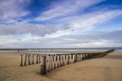Strand Domburg (PeterWdeK) Tags: zeeland walcheren zee blue sea domburg paalhoofd palen clouds strand zand 7d canon7d canon nederland thenetherlands november 2018